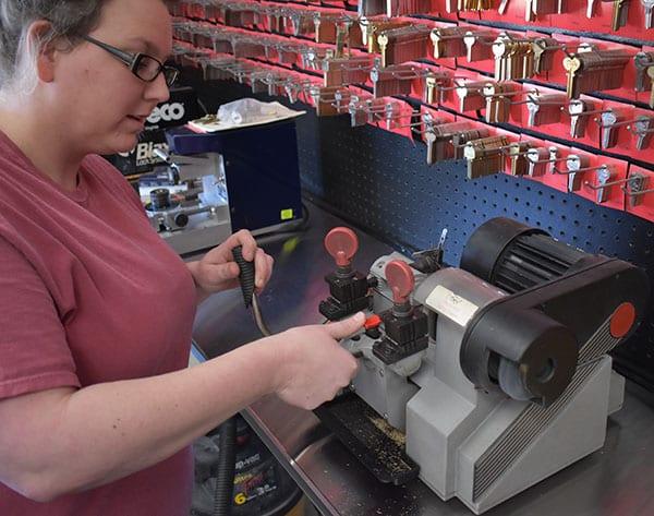 retail key cutting service